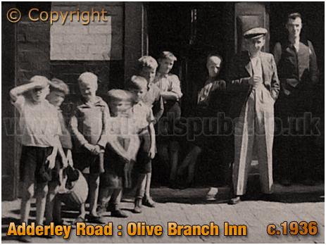 Birmingham : Children outside the Olive Branch Inn on Adderley Road at Saltley [c.1936]
