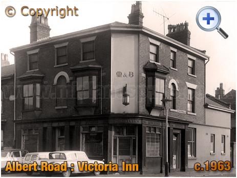 The Victoria Inn on the corner of Albert Road and Upper Thomas Street in Aston [c.1963]