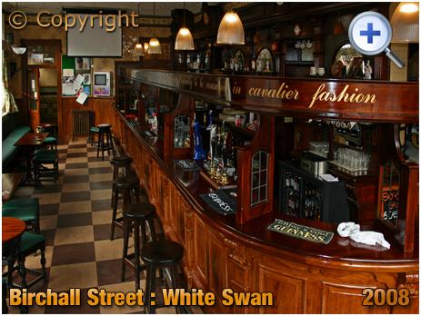 Birmingham : Bar of the White Swan on the corner of Birchall Street and Bradford Street in Deritend [2008]