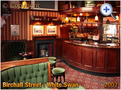Birmingham : Former Smoke Room of the White Swan on the corner of Birchall Street and Bradford Street in Deritend [2007]