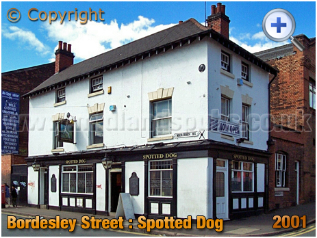 Birmingham : The Spotted Dog on the corner of Bordesley Street and Meriden Street in Digbeth [2001]