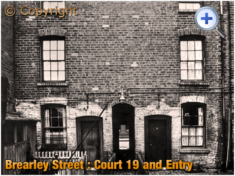 Birmingham : Entry to Court 19 in Brearley Street at Hockley