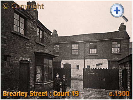 Birmingham : Court 19 in Brearley Street at Hockley [c.1900]