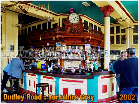Birmingham : Bar of the Yorkshire Grey on the corner of Dudley Road and Winson Street at Winson Green [2002]