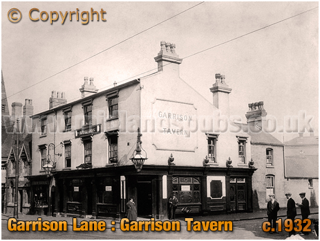 Birmingham : The Garrison Tavern on the corner of Garrison Lane and Witton Street at Bordesley [c.1932]
