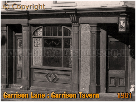 Birmingham : Entrance of The Garrison Tavern on the corner of Garrison Lane and Witton Street at Bordesley [1961]