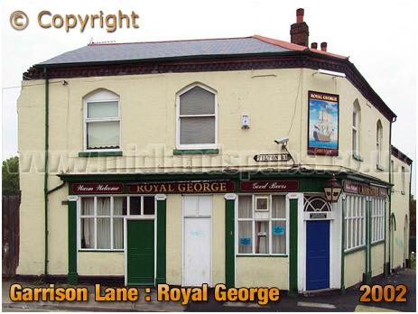 Birmingham : Tilton Road frontage of the Royal George on Garrison Lane [2002]