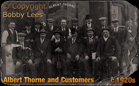 Birmingham : Albert Thorne and customers outside the Pelican Inn on the corner of Great King Street and Unett Street in Hockley [c.1920s]