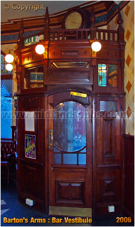 Birmingham : Bar Vestibule of the Barton's Arms at High Street Aston [2006]