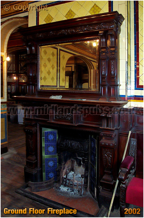 Birmingham : Ground Floor Fireplace of the Barton's Arms at Aston [2002]