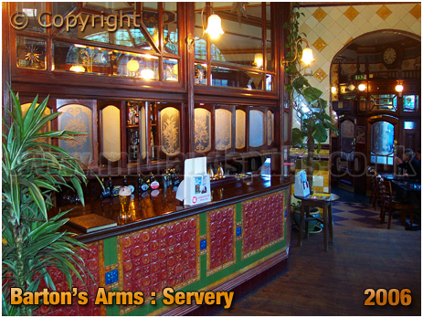 Birmingham : Servery in former Saloon Bar of the Barton's Arms at High Street Aston [2006]