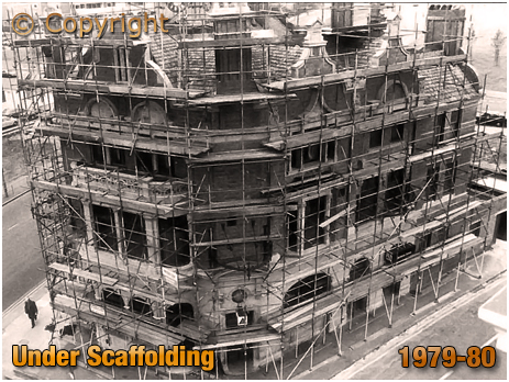 Birmingham : The Barton's Arms under scaffolding [1979-80]