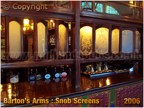 Birmingham : Snob Screens of the Barton's Arms at High Street Aston [2006]