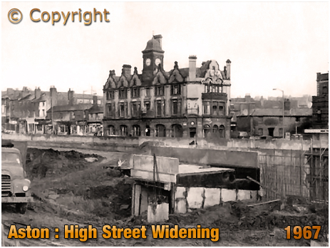 Birmingham : The Barton's Arms during road-widening of High Street Aston [1967]