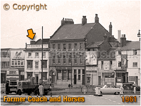 Birmingham : High Street Bordesley showing former Coach and Horses and adjacent bank building [1961]
