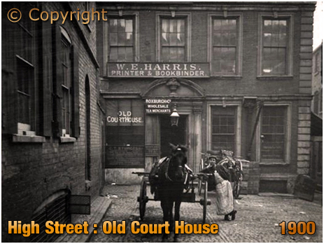 Birmingham : Old Court House off High Street [1900]