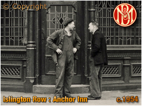 Birmingham : Window Cleaner chatting with bloke outside the Anchor Inn on the corner of Islington Row and Tennant Street at Edgbaston [c.1954]