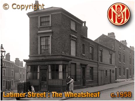 Birmingham : The Wheatsheaf in Latimer Street [c.1958]
