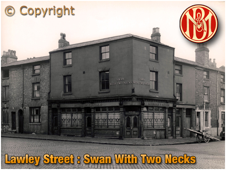 Birmingham : The Swan With Two Necks on the corner of Lawley Street and Great Brook Street in Duddeston [1959]