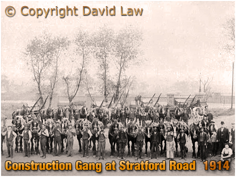 Birmingham : Construction Gang at Bridge near the College Arms on Stratford Road [1914]