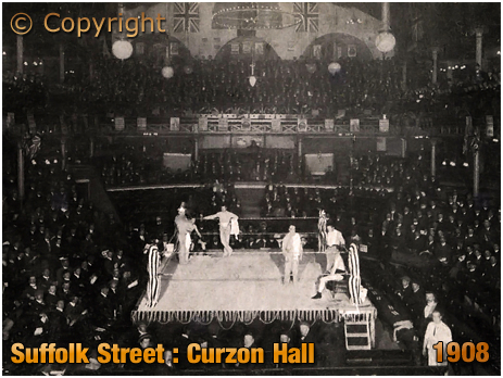 Wrestling Contest between Sol Davies and Hippy Homer at Curzon Hall on Suffolk Street in Birmingham [1908]