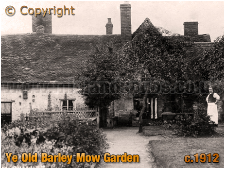 Birmingham : Garden to the rear of Ye Old Barley Mow Inn at Ward End [c.1912]
