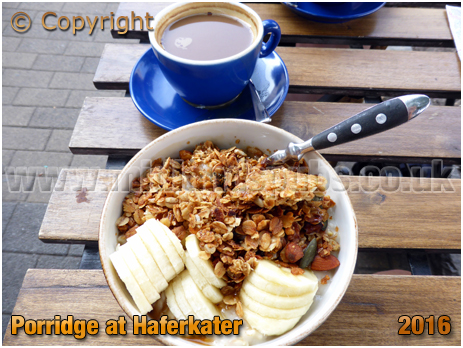 Berlin : Porridge at Haferkater at Boxhagener Straße [September 2016]