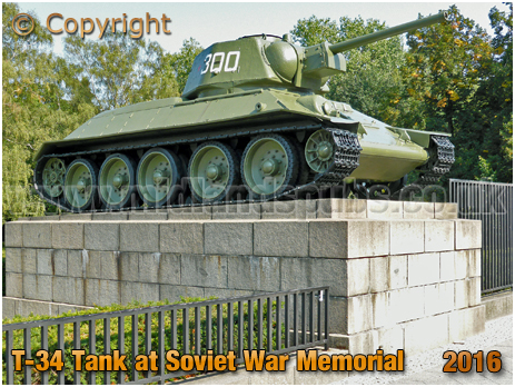 Berlin : T-34 Tank at the Soviet War Memorial on Straße des 17. Juni [September 2016]