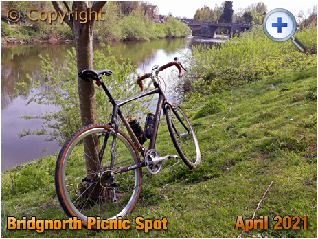 Bromley : Picnic Spot by the River Severn [2021]