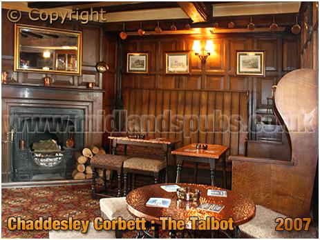 Chaddesley Corbett : Interior of The Talbot [2007]