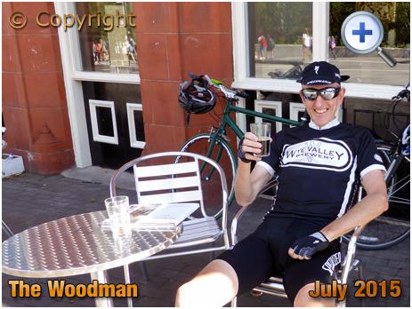 Birmingham : Enjoying a beer at The Woodman on Eastside [2015]