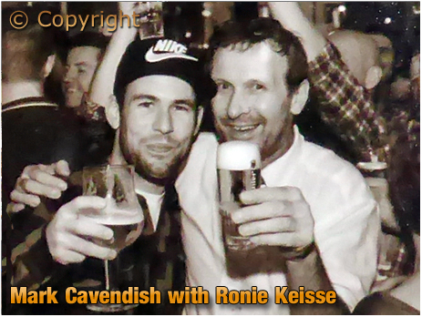 Mark Cavendish with Ronie Keisse
