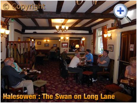 Halesowen : Refurbished Interior of The Swan at Long Lane [2015]