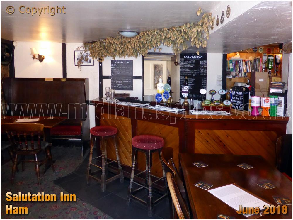 Ham : Interior of the Salutation Inn [2018]