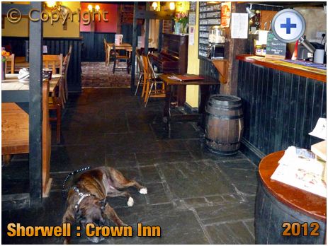 Isle of Wight : Bar of the Crown Inn at Shorwell [2012]