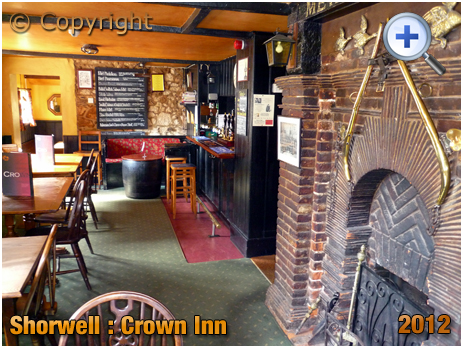 Isle of Wight : Interior of the Crown Inn at Shorwell [2012]