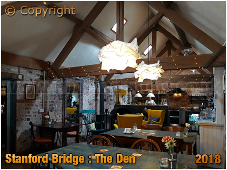 Stanford Bridge : The Den Café [2018]