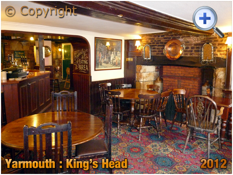 Isle of Wight : Interior of the King's Head at Yarmouth [2012]