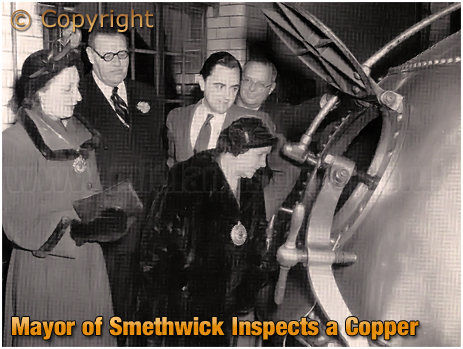 Mitchell's & Butler's : The Mayor of Smethwick Inspects a Copper [1953]