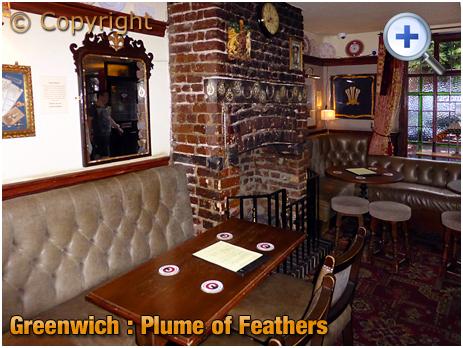 London : Interior of the Plume of Feathers on Park Vista in Greenwich