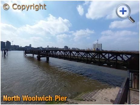 North Woolwich : Pier