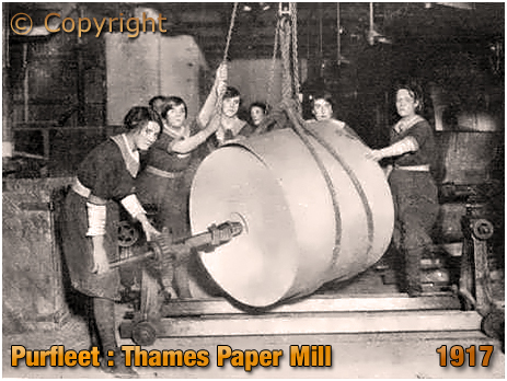 Purfleet : Women Working at the Thames Paper Mill [1917]