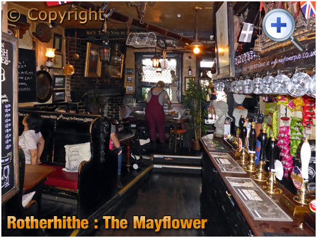 London : Bar of The Mayflower at Rotherhithe