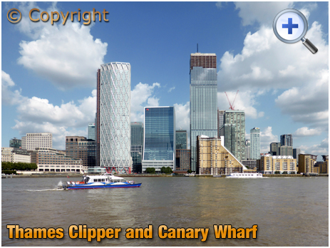 London : Thames Clipper and Canary Wharf