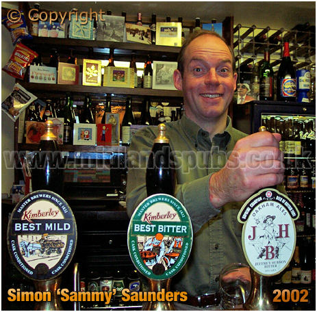 Leicester : Simon 'Sammy's Saunders at the Swan and Rushes [2002]