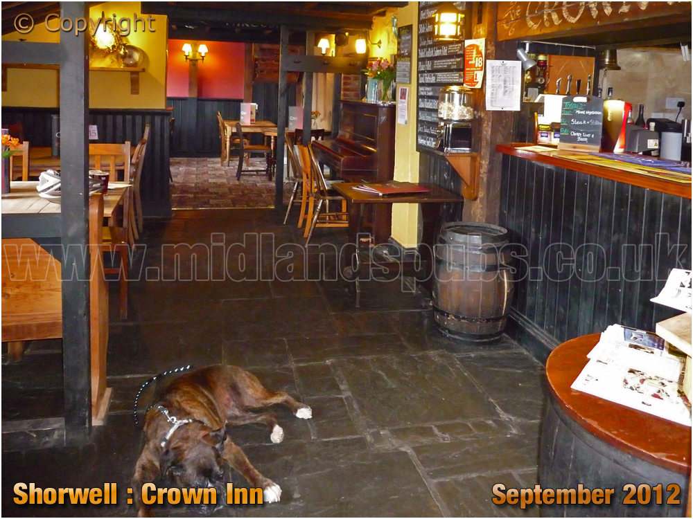 Shorwell : Bar of the Crown Inn [2012]