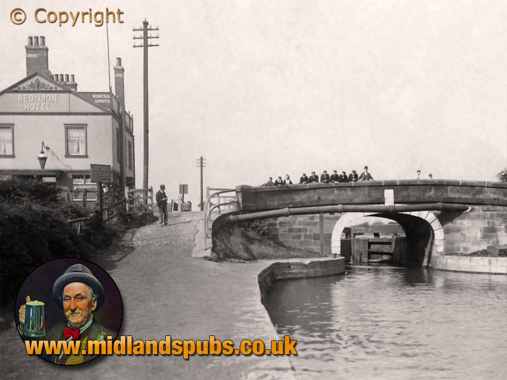 Lancashire : Dover Bridge and Lock with Red Lion Hotel at Abram [c.1908]