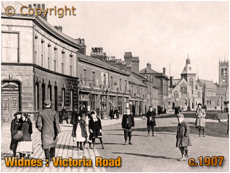 Lancashire : Victoria Road at Widnes with The Doctors Public-House and Shops [c.1907]
