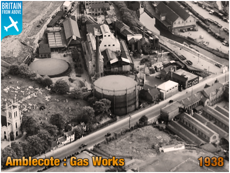Amblecote : Aerial Photograph showing the Gas Works at Holloway End [1938]