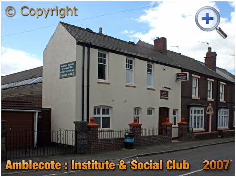 Amblecote : Institute & Social Club in Collis Street [2007]